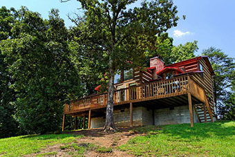 builtmore hideaway 3 bedroom pet friendly cabin in Sevierville by Fireside Chalets
