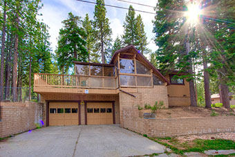 golden dust 3 bedroom pet friendly cabin south lake tahoe by Lake Tahoe Accommodations