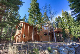 grouse house 3 bedroom pet friendly cabin south lake tahoe by Lake Tahoe Accommodations