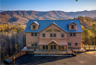 Mountview Paradise 12 bedroom pet friendly cabin Pigeon Forge by Cabins for You