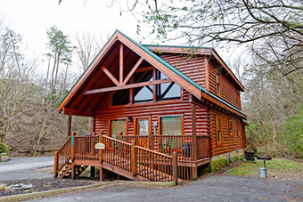 heaven sent 2 bedroom pet friendly cabin in Pigeon Forge by Fireside Chalets