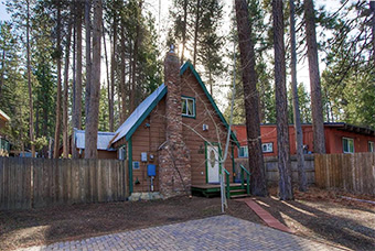 heavenly pines 2 bedroom pet friendly cabin north lake tahoe by Lake Tahoe Accommodations