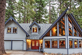 lloyds lodge 4 bedroom pet friendly cabin north lake tahoe by Agate Bay