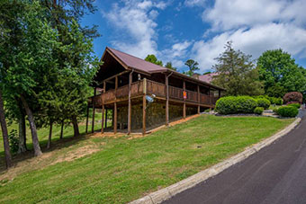 making memories 1 bedroom pet friendly cabin in Pigeon Forge by Fireside Chalets