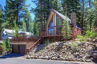 rocky top retreat 4 bedroom pet friendly cabin South lake tahoe by Lake Tahoe Accommodations