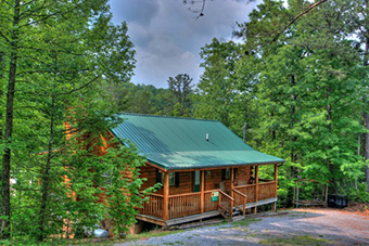 sleepin inn 2 bedroom pet friendly cabin in Pigeon Forge by Summit Cabin Rentals