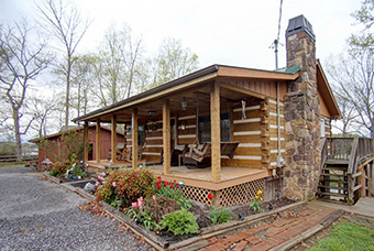 southern comfort 4 bedroom pet friendly cabin on douglas lake by Douglas Lake Vacations