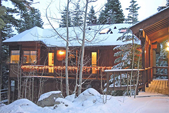 woodcrest 4 bedroom pet friendly cabin north lake tahoe by Lake Waters of Tahoe Properties