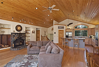 woodside lodge 5 bedroom pet friendly cabin north lake tahoe by Tahoe Getaways